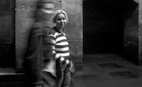 Daniela Snepp: Daniela Snepp: Prohlídky podzemí konventu,1995 foto: Daniel Šperl — performance (1995). Fotograf: Daniel Šperl