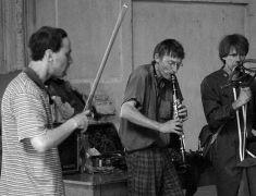 Alan Pavio, Tim Hodgkinson, Martien Groeneveld: jam session (1995). Photographer: Radek Kodera
