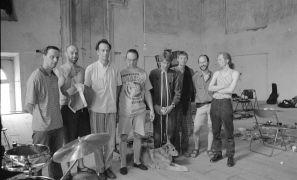 Jacques M. van Poppel, Jindřich Biskup, Tim Hodgkinson, Jim Meneses, Martien Groeneveld, Wiel Conen, Erhart Hirt: jam sesion, refectory, convent (1995). Photographer: Daniel Šperl