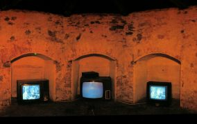 Mark Shepard, Martin Zet: 1931 (We need the time) — video installation (1999). Photographer: Daniel Šperl
