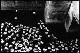 Iris Honderdos: Hands — installation (1992). Photographer: authors archive