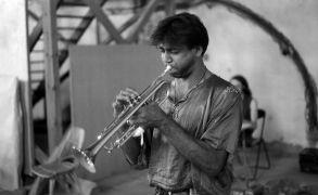 Rajesh Mehta: Concert (1994). Photographer: Radovan Kodera