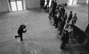 Yuri Leiderman: Trojan Dances — performance (1999). Photographer: Daniel Šperl